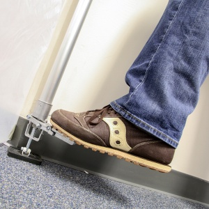 foot and e-z up dust containment pole